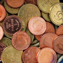 Växelkassa med nya mynt.